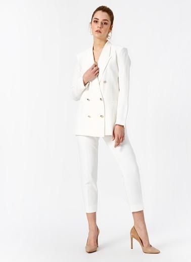 Random Kısa Paça Kumaş Pantolon Beyaz
